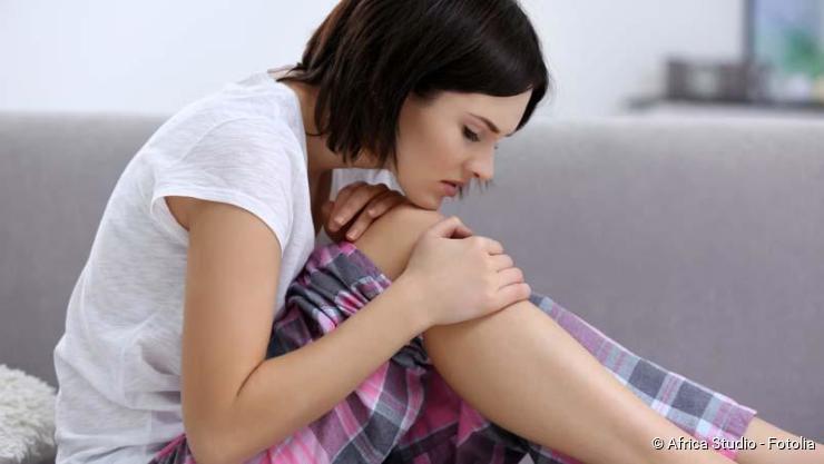Боли после лапароскопии кисты яичника, почему болит живот и тянет яичник после операции