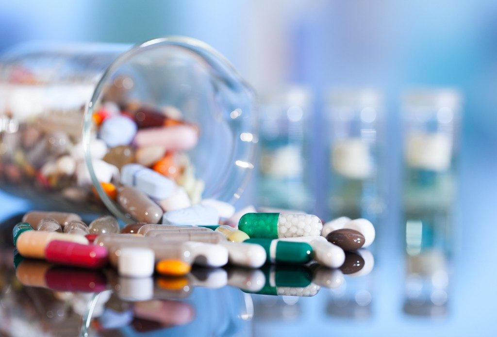 вертывание под действием химических компонентов, таблетки